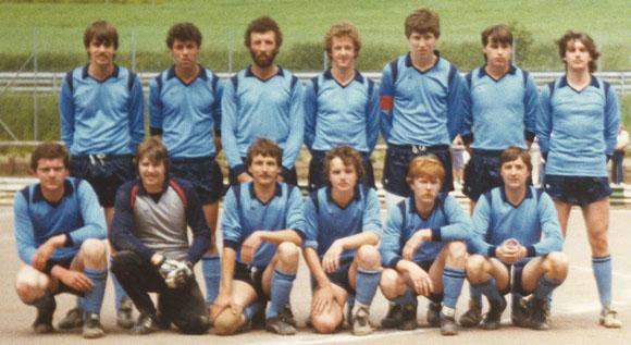 Mannschaft des BSC, die 1983 von der D- in die C-Klasse aufgestiegen ist (Foto im Besitz von Gerd Harzem)