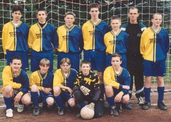 Jugendmannschaft der JSG (vermutlich am) 16.06.1999 (Foto im Besitz von Helmut Riedl)
